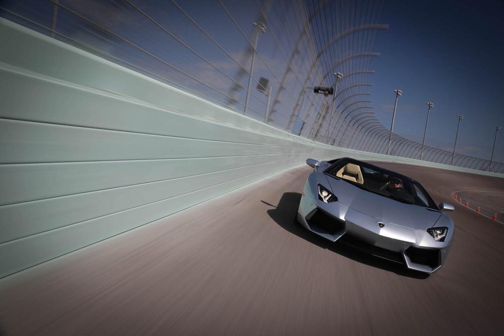 LamborghiniAventadorRoadster-20.jpg
