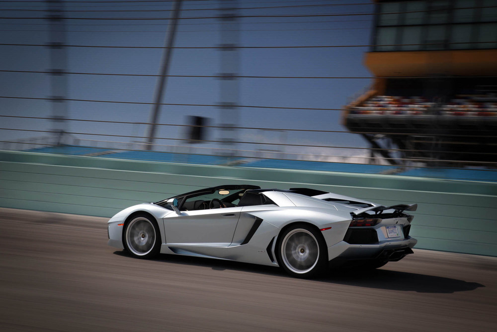 LamborghiniAventadorRoadster-19.jpg