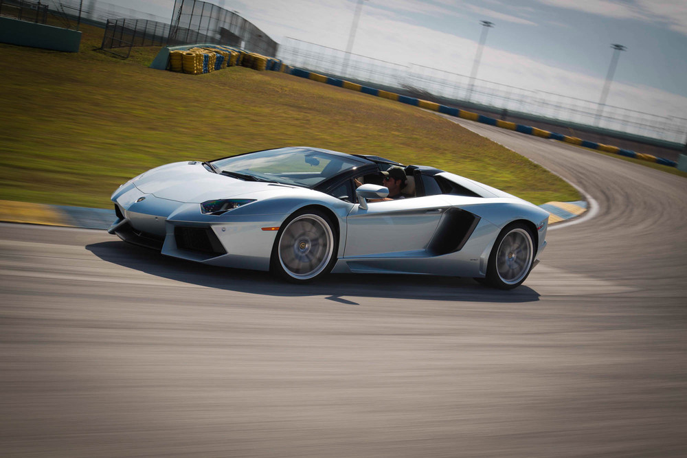 LamborghiniAventadorRoadster-16.jpg