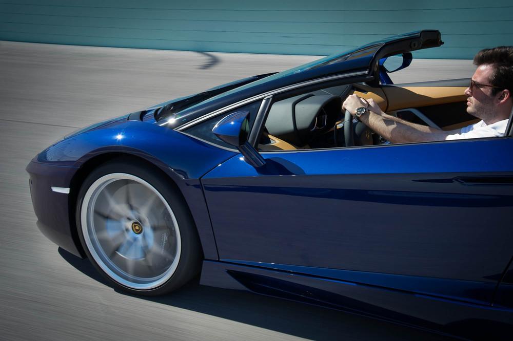 LamborghiniAventadorRoadster-7.jpg