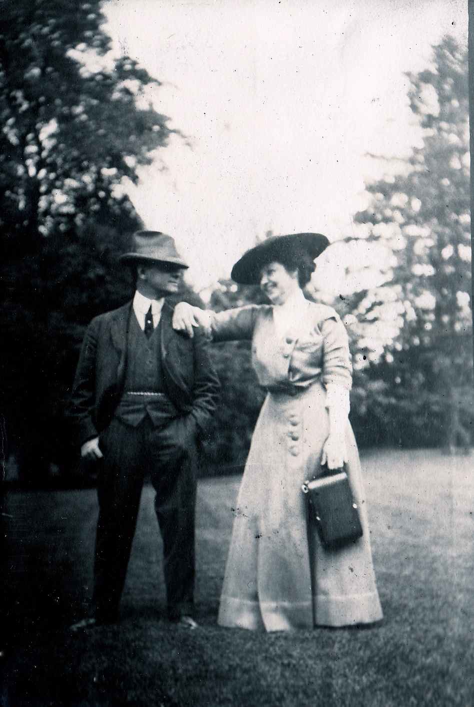 Henry Graves, Jr. and his wife Florenceon the grounds of their 10-acre Irvington estate Shadowbrook (Courtesy Stacy Perman, A Grand Complication)