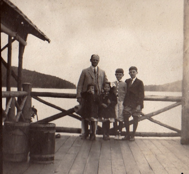 Henry Graves, Jr. and his four children at their Eagle Island Camp (Courtesy Stacy Perman, A Grand Complication)