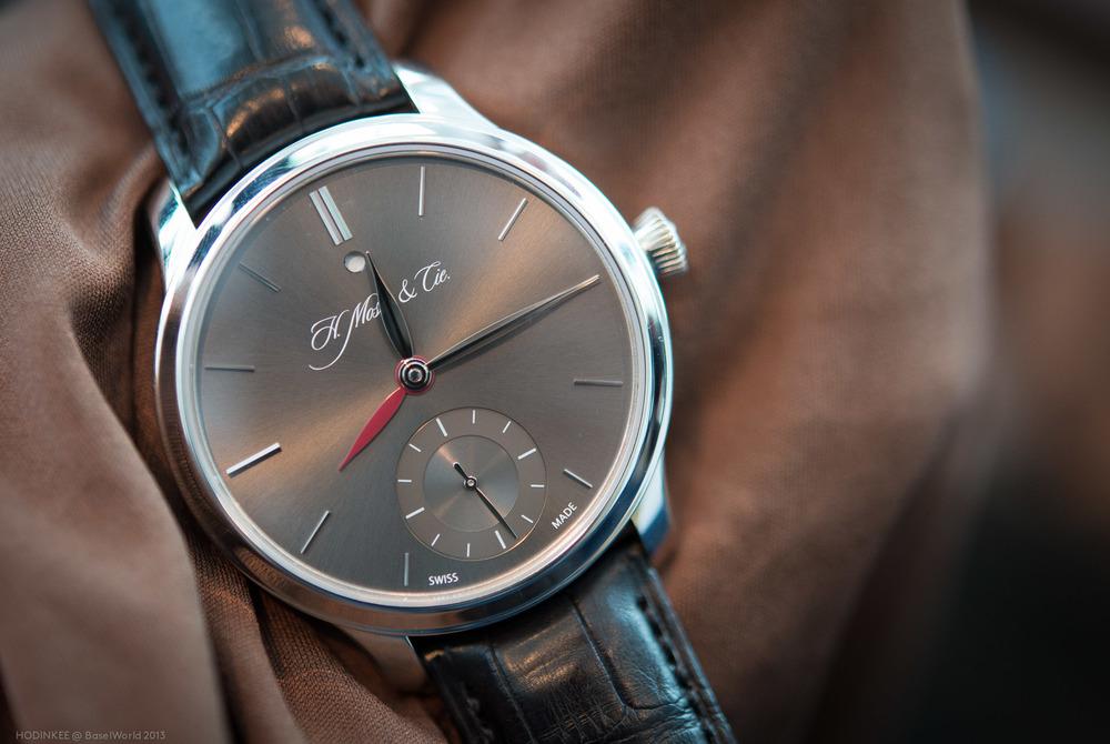 The H. Moser Nomad with Travel Time Hand In Use