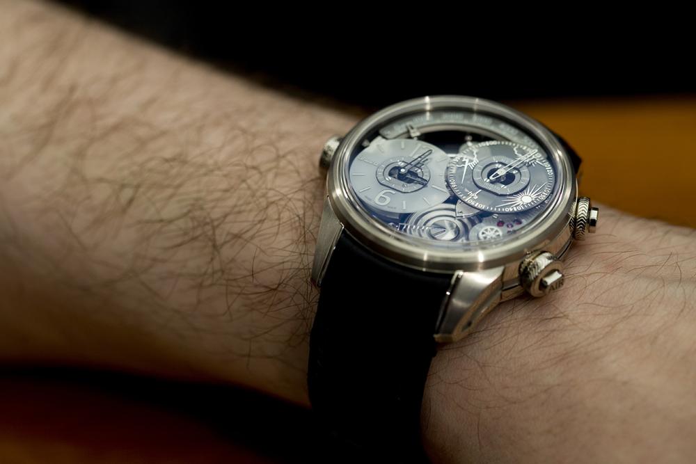 The Génie 01 on the wrist