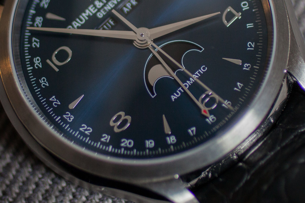 Moonphase and Date Indicators