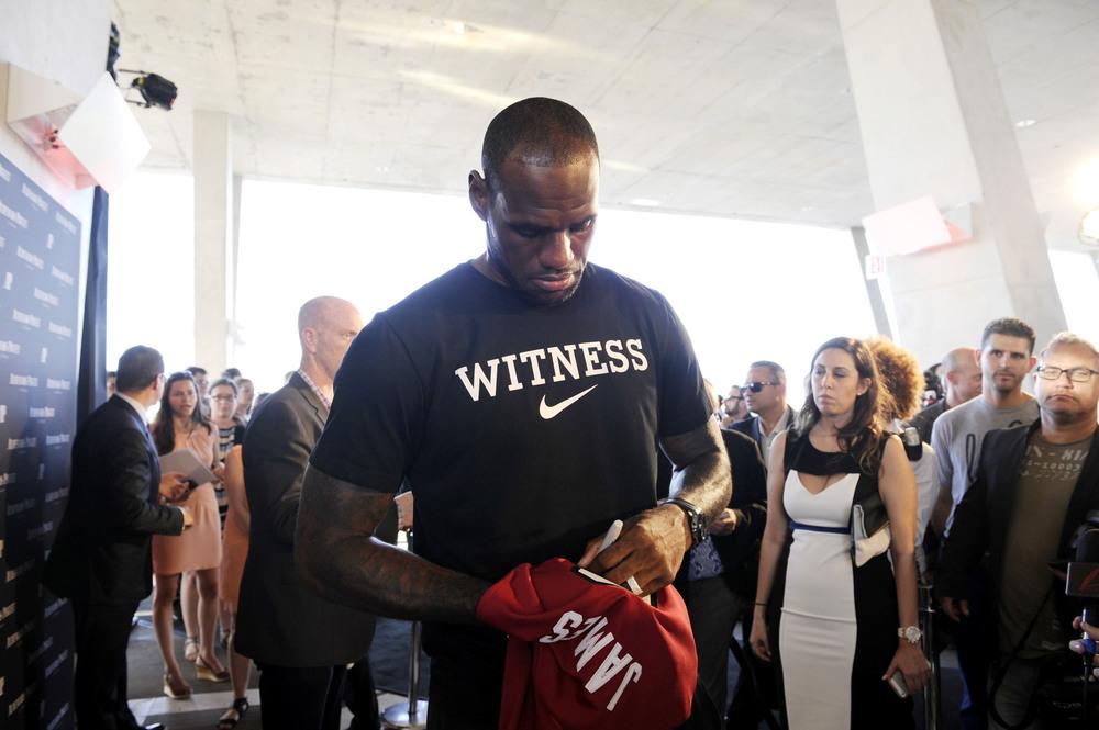 LeBron James (4).jpg