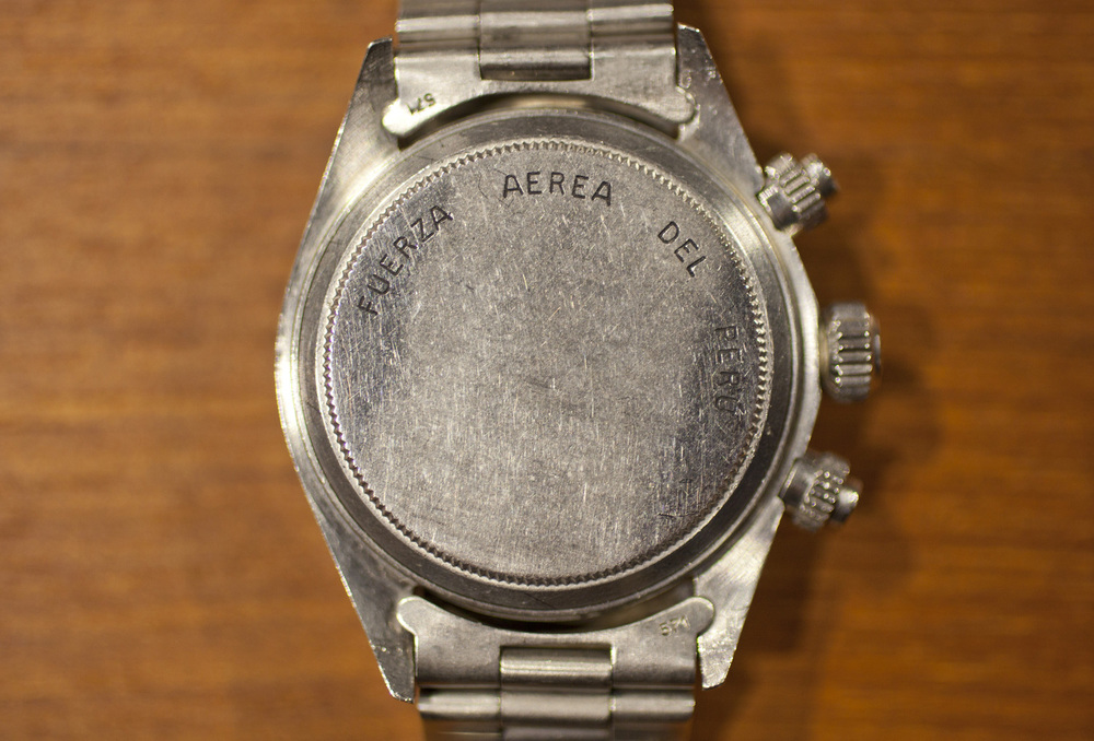 "Crisp ""Fuerza Aerea Del Peru"" Engraving On The Caseback"