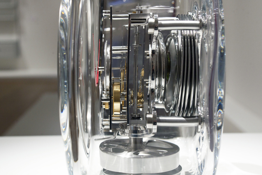 The Inner Workings Of An Atmos Clock