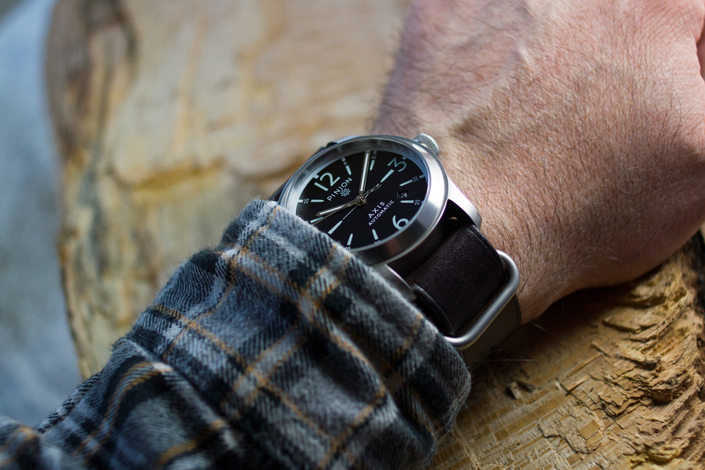 Pinion Axis Steel On The Wrist