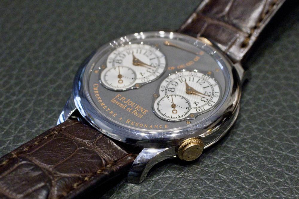Chronomètre à Résonance With Titanium Case And Pink Gold Hands, Crowns, And Screws