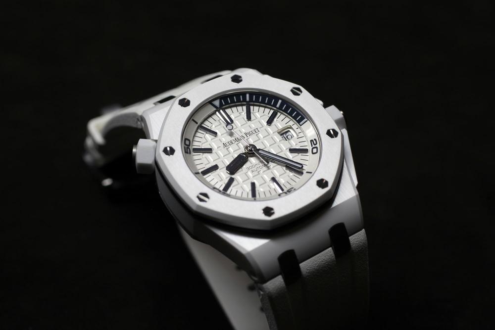 0ca5fe519e1 Introducing the Audemars Piguet Royal Oak Offshore Diver in White Ceramic -  OEM