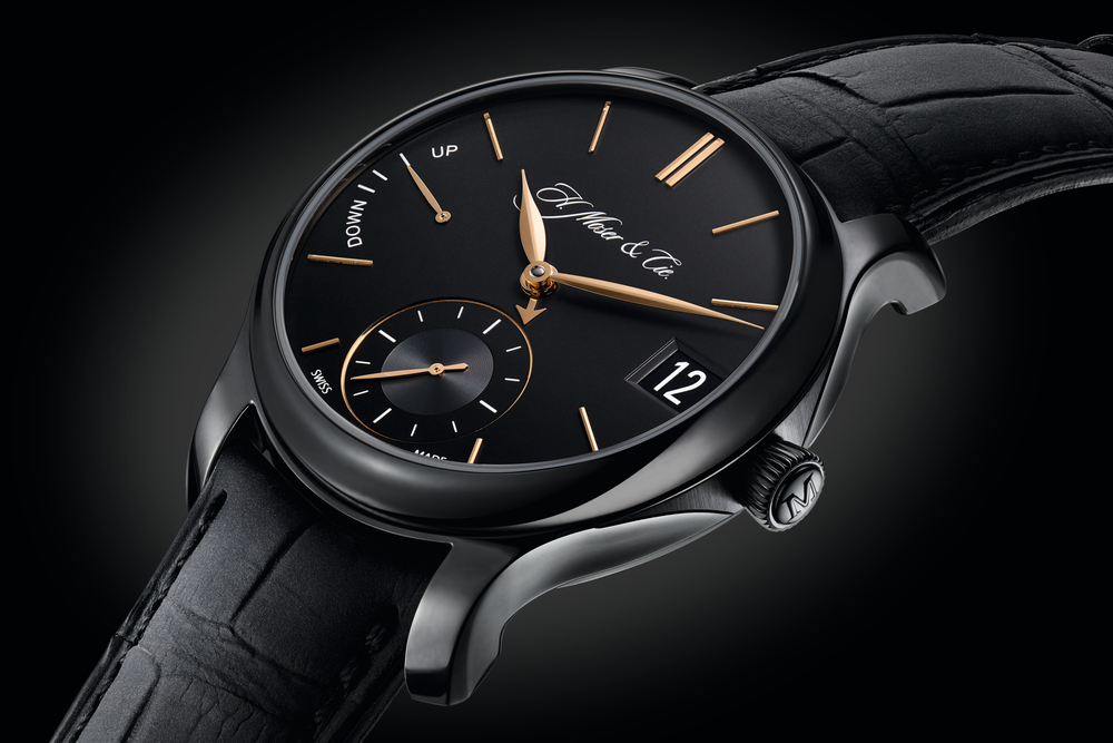 The new Perpetual Calendar Black Edition features  a DLC-coated 40.8mm titanium case.