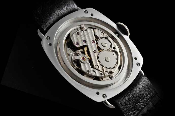 Jonquet sourced the FE 233/69 movement from a stockpile of 70 discovered during his research.