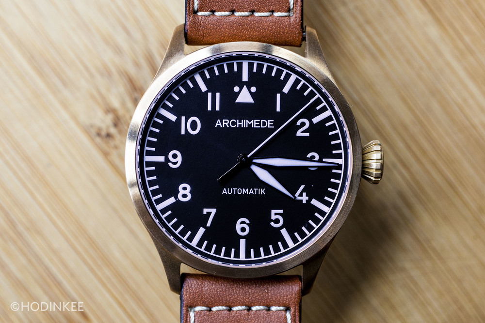 The 39mm case size is ideal for a range of wrists.