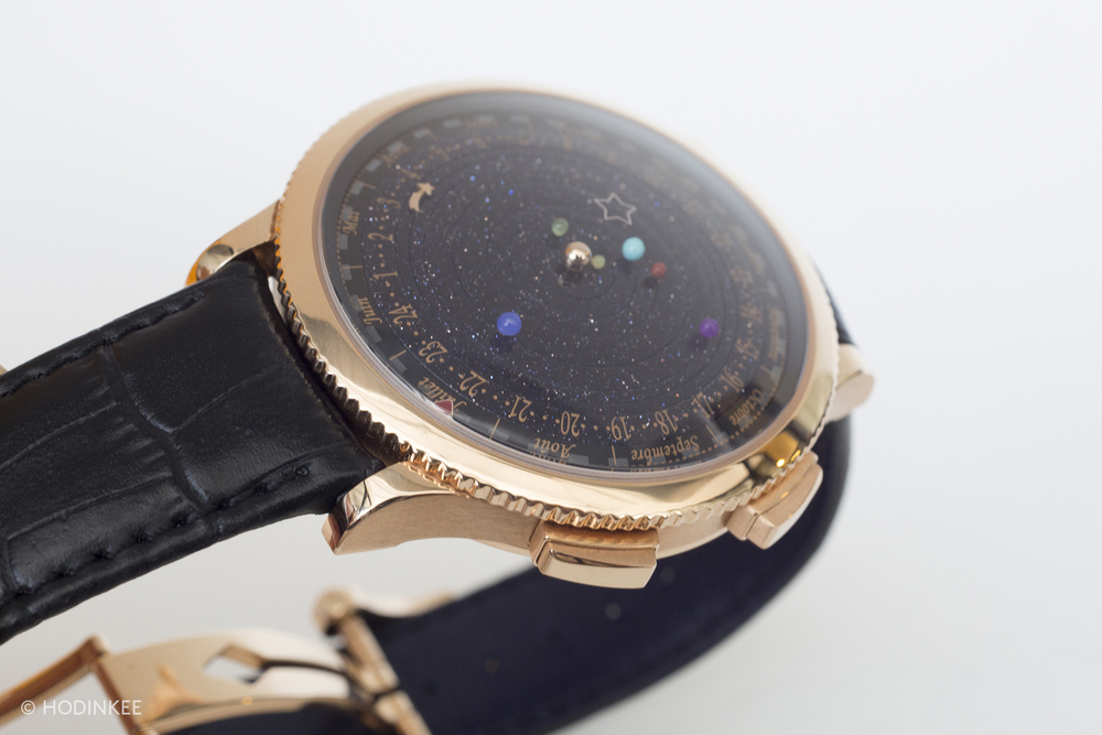 The final dial is composed of concentric rings of solid aventurine.