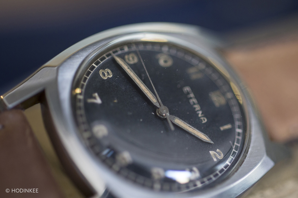 On this example, the patina of the luminous material on the hands matches the patina of the arabic hour numerals.