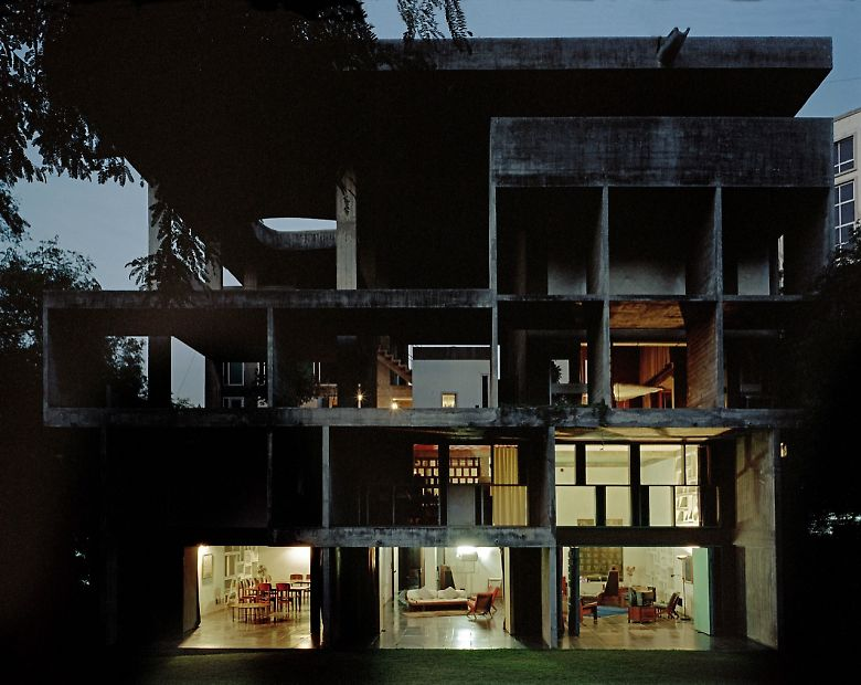 subtilitas :      More  of Le Corbusier's  Villa Shodhan  in Ahmedabad. Amazing.  Via