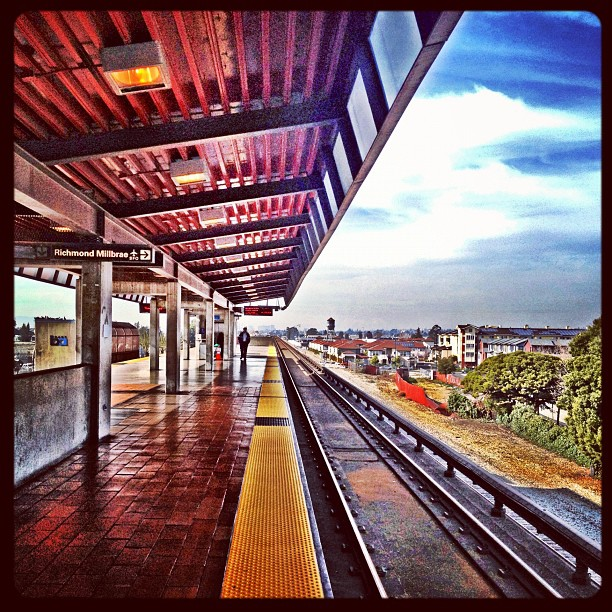 Oakland BART Station (Taken with Instagram at Coliseum/Oakland Airport BART Station)