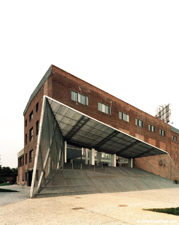 Whoa.    subtilitas :      Atelier Feichang Jianzhu  - Pingod Sales Center & Art Museum, Beijing 2003.  Via .