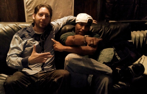 I'm currently helping develop my client Gnagstagrass' new website and I just notice on this photos with Renchandrapper Kool Keith. Look closely to the right, Keith's sitting on G's Ergo. Two worlds combine. Yeah that's how we roll.