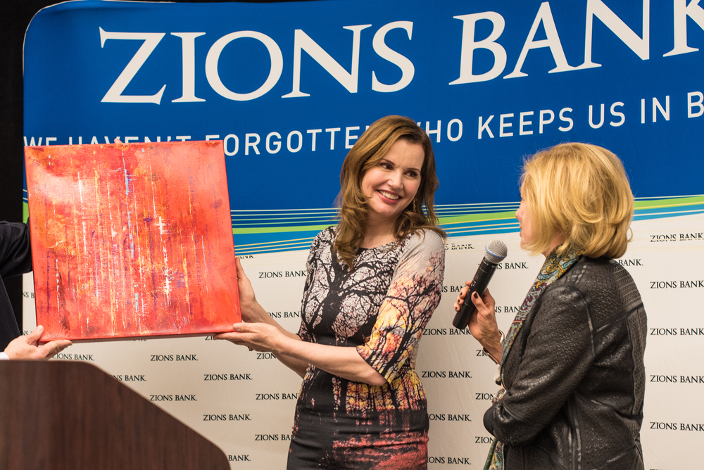 Susan describes her painting Crimson Fog to Geena Davis.jpg