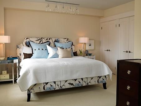 Bedroom | Interior Designer: Sarah Design / Image Source: GiesenDesign.com