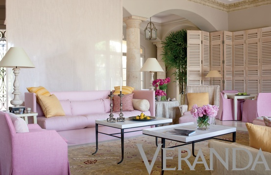 ARTICLE: How Patternless Decorating Manifests Limitless Peacefulness | Image Source: Veranda | OPEN ARTICLE...http://carlaaston.com/designed/how-patternless-decorating-manifests-limitless-peacefulness