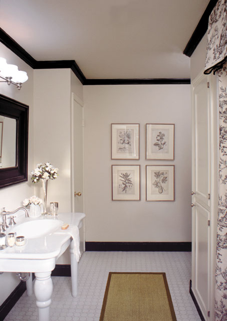 Vintage style bathroom, styling magazine ready interiors | Credit: Joetta Moulden