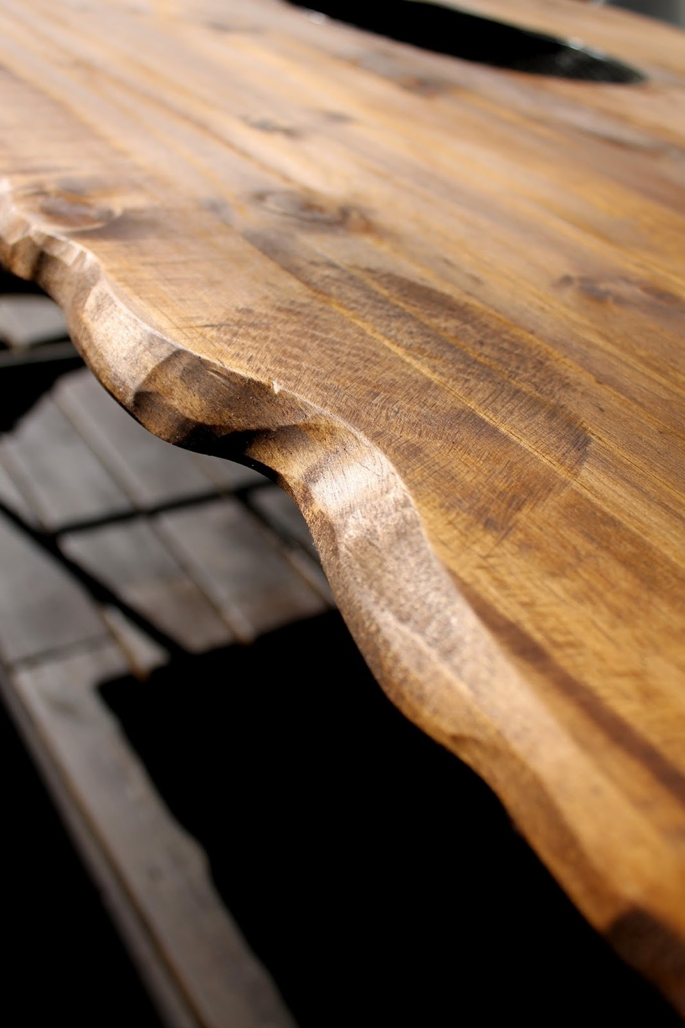 ARTICLE: Reclaimed, Refined, Remarkable | Loving a Live Edge | Image Source: Home D-zine | CLICK TO READ... http://carlaaston.com/designed/loving-live-reclaimed-wood-edge