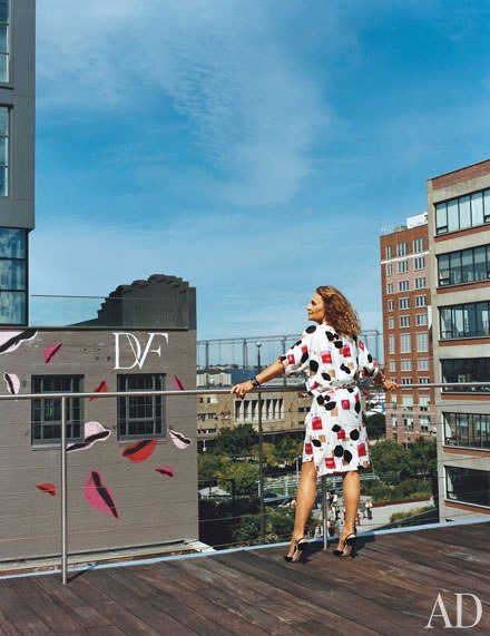 Diane von Furstenberg, creative artist, designer, entrepreneur...Wouldn't you love to make it big like her someday?  Image via Architectural Digest
