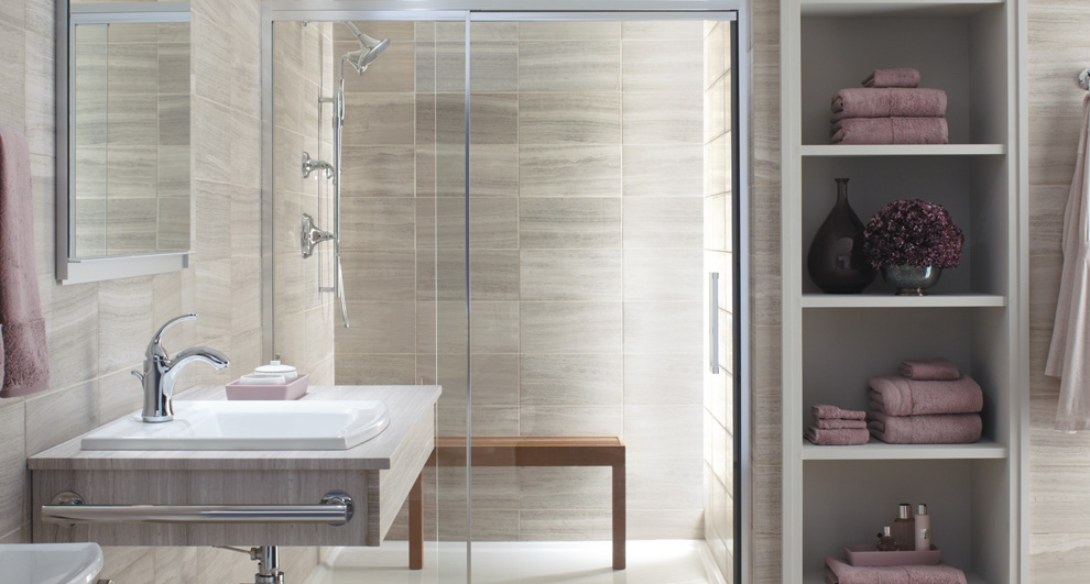 ARTICLE & GALLERY | Vein-Cut Stone - Like The Ocean, Its Effortless Flow Soothes With A Zen-Like Ambience | Image Source: Jim Hicks | CLICK TO ENJOY... http://carlaaston.com/designed/vein-cut-stone-texture-with-zen-ambience | (KWs: texture, design, bathroom, flooring, wall)