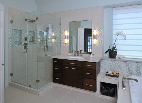 How-To DIY Article | 11 Simple DIY Ways To Make Your Small Bathroom Look BIGGER | Image Source: Carla Aston | CLICK TO ENJOY... http://CarlaAston.com/designed/11-tips-how-to-make-small-bathroom-look-big (KWs: mirror, cabinet, closet, lighting)