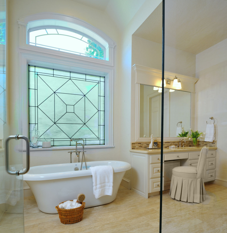 11 simple ways to make a small bathroom look bigger designed - How to make a small bathroom look larger ...