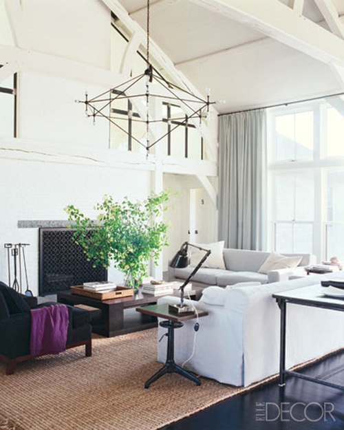 ARTICLE | How To Add Color To An Open Plan House - Tip #439: Just A Dab Will Do Ya | Image Source: Elle Decor | CLICK TO ENJOY... http://carlaaston.com/designed/how-to-add-color-open-plan-house-dab-will-do-ya | (KWs: paint, wall )
