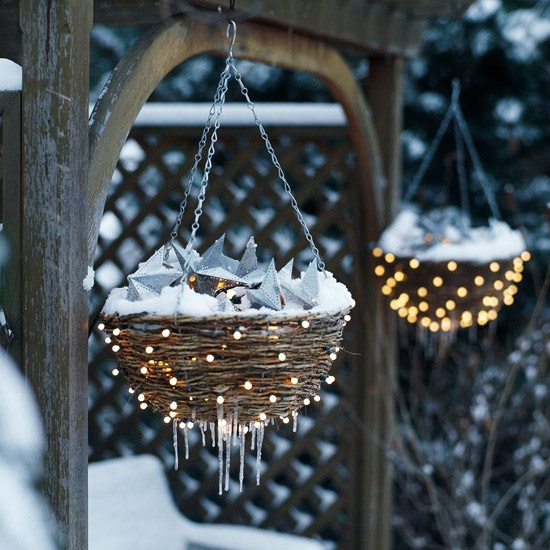 Article + Gallery ➤ http://CARLAASTON.com/designed/how-to-win-best-holiday-lawn-decorations ➤ Here's How Your Yard Is Going To Win The 'Best Christmas Decorations' Award | Image source: NAME (KWs: lighting, landscaping, lights )
