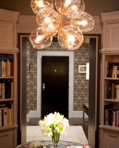 Article + Gallery ➤ http://CARLAASTON.com/designed/lighting-makes-artistic-statement When Lighting Makes A Design's Artistic Statement - Image Source: Unknown (KWs: light art, chandelier )
