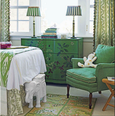 Article + Gallery ➤ http://CARLAASTON.com/designed/pantone-color-of-year-2013-emerald-green SEE Why Emerald Green Is Pantone's Color Of The Year (Image Source: porchlightinteriors.blogspot.com)