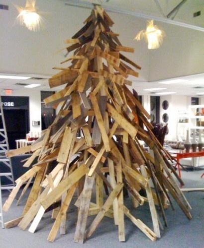Article + Gallery ➤ http://CARLAASTON.com/designed/25-extraordinary-christmas-tree-designs 25 Extraordinary Christmas Trees Designed To Make Yours Look Ordinary (Image Source: kubodo.com | Kw: holiday, wood )