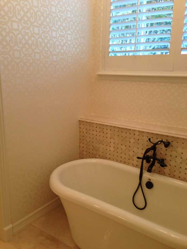 tub-and-wallpaper.jpg