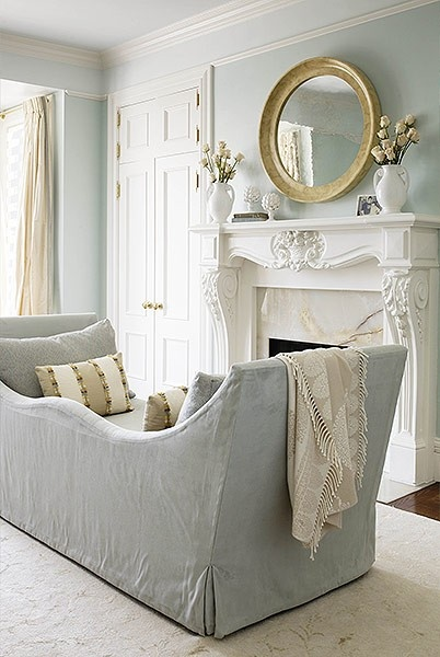 Daybed? Settee? Sofa? Chairs connected in the middle?