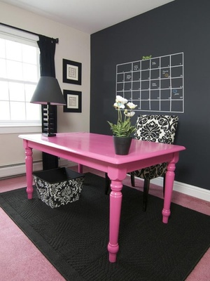 Go Ahead & Introduce Yourself To The Chalkboards That Will Soon Be Decorating Your House ➤ http://CARLAASTON.com/designed/chalkboard-design-trend