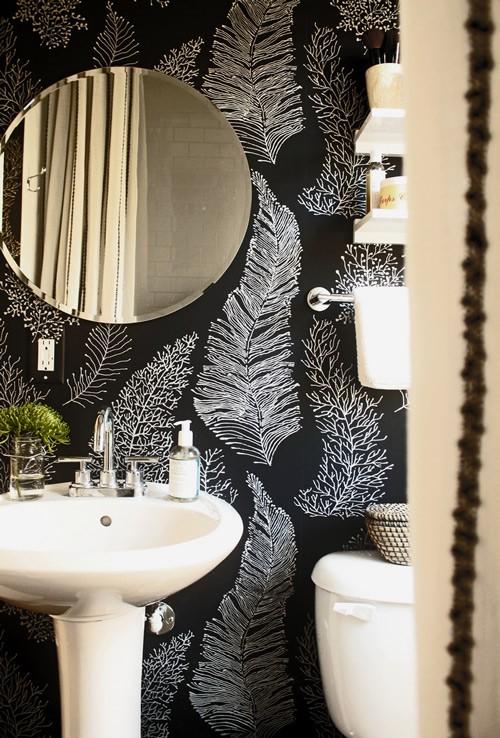 Wallpaper that looks like chalkboard - Image via:  Design Sponge