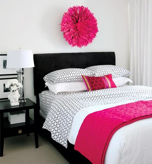 Designer: Karla Amadatsu, Kerrisdale Design, image via: Style at Home
