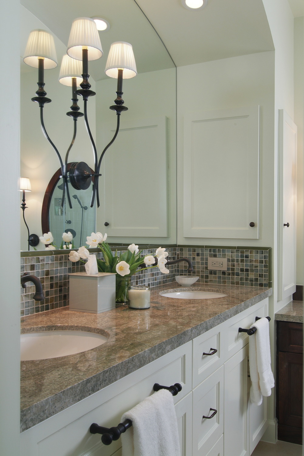 No Space Around The Sink For A Towel Bar? Here\'s Your Solution ...