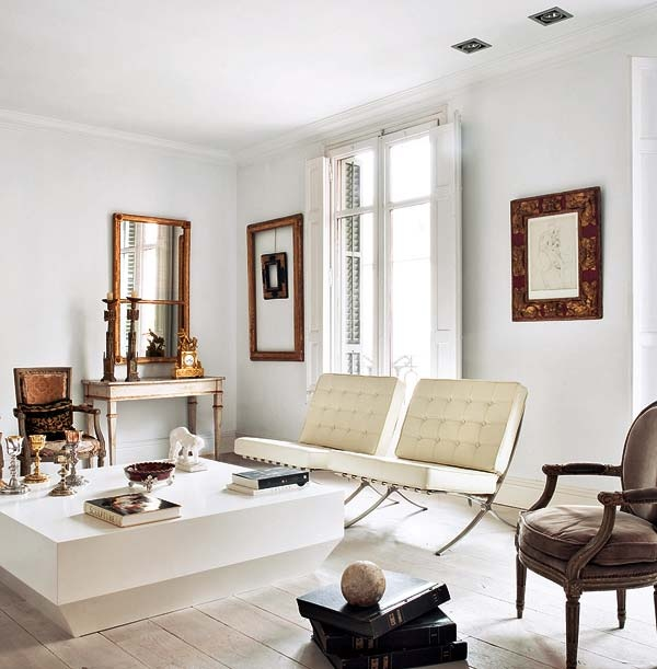 ARTICLE: The Barcelona Chair, DESIGNED By Mies van der Rohe, Changes Its Tone