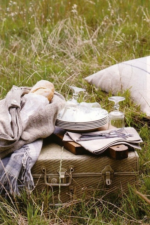 Image via: Greige Design |  22 Summery, Serene Picnic Ideas