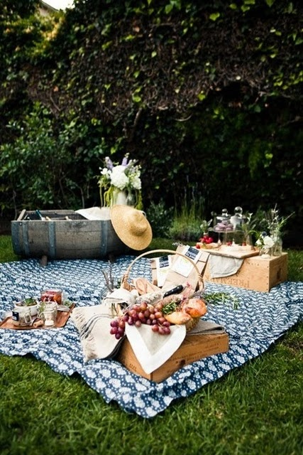 Image via: Design Sponge | 22 Summery, Serene Picnic Ideas