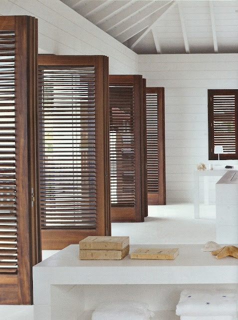 ARTICLE + GALLERY The Chameleons of Interior Design Louvered Doors : louverd doors - pezcame.com