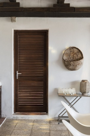 The Chameleons Of Interior Design Louvered Doors