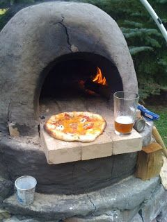 ARTICLE:   A DIY Pizza Oven Built with Clay, Adobe and Straw   ,  Plus 9 More Outdoor Summer Design Projects!
